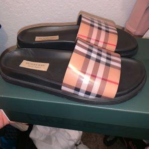 Burberry women's sandals w/original box authentic